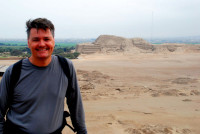 Rod and the ruins of the temple of the sun, Trujillo, Peru