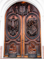 Cuenca architecture, carved door
